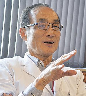 健診の必要性を説く中島院長