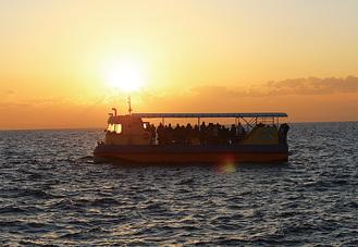 船上から夕日やご来光を観賞