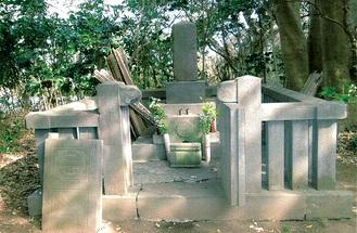 江戸時代に建てられた三浦荒次郎義意の墓