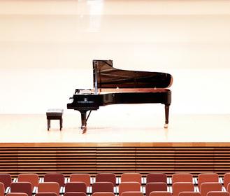 世界トップメーカーのグランドピアノの音色を楽しむ