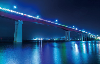 昨年11月、ライトアップされた城ヶ島大橋(写真提供/三浦JC)