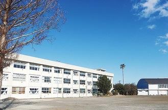 旧三崎中学校