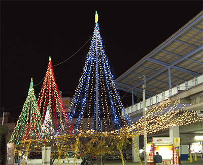 三浦海岸駅前にイルミネーション