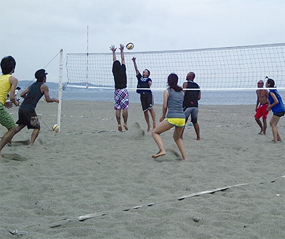 砂浜で熱き戦い