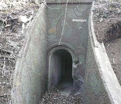 砲台地下壕を探索