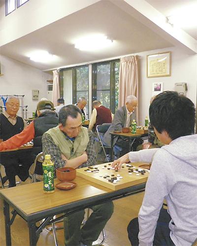 親睦深めた囲碁大会