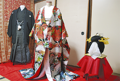 衣裳で見る婚礼文化