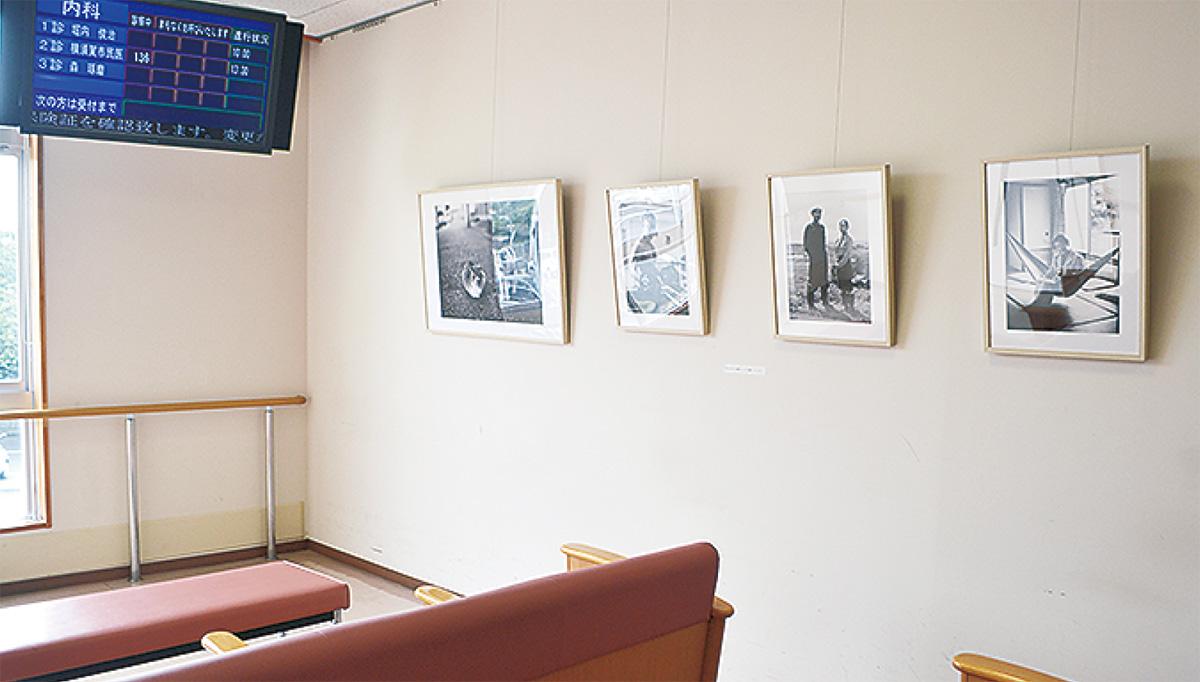 院内壁面を画廊に