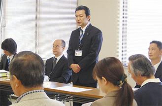 冒頭であいさつする平井市長