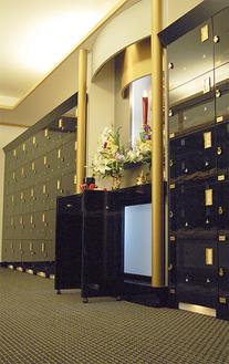 本殿内に設置された「黄雲閣」