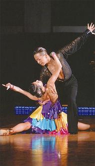 JBDF所属のダンサーとして活躍する戸張さん、平川さん