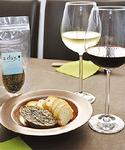 同店特製の「牡蠣のバタースプレッド」はワインとの相性抜群