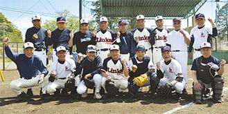 リーグ戦を前に練習に励む神奈川リンクスのメンバーら(=18日、逗子第一運動公園野球場)