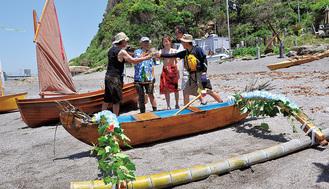 バリ島から持ち込んだカヌー