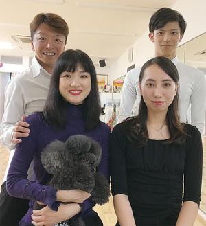 講師の戸張・小林ペア(左)と酒井・佐々木ペア