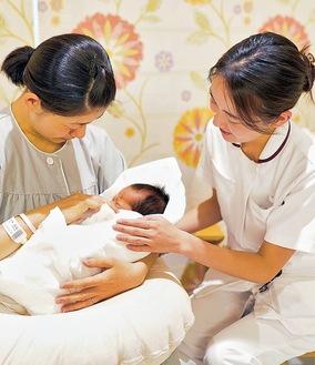 助産師が出産をサポート