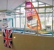英国選手艇を展示