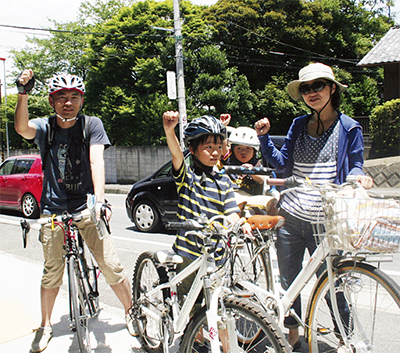 自転車で街めぐりだ「オー!」