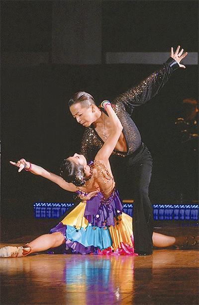 現役ダンサーと華麗にステップ
