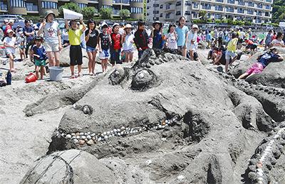 「砂のアート」ずらり58作品