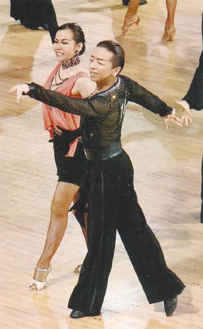 葉山初の社交ダンススタジオ