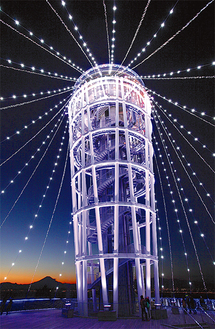 光のシャワーが今年から360度に【写真:江ノ島電鉄(株)】