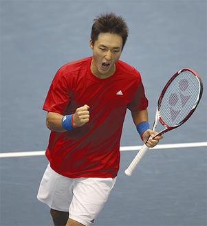 ワールドグループ初勝利を飾った添田選手