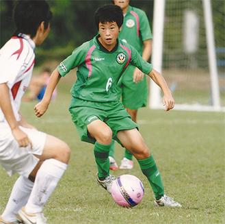 クラブチームで活動する宮川選手(中央、提供=本人)