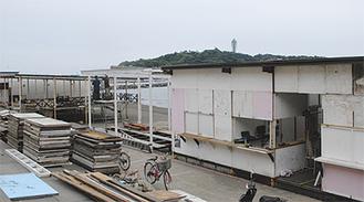 建設が進む海の家(西浜)
