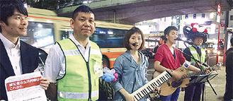 下田代表(左から2人目)とくまっけJAPANの2人
