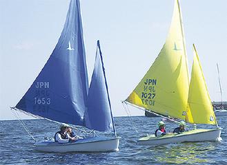 操船を学ぶ小型ヨット