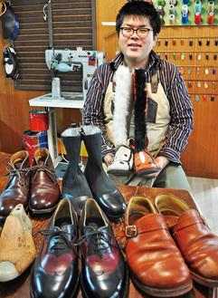 好きな革やデザインが選べ、世界でひとつだけの靴を作ることができる