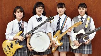 左からquadAの佐藤さん、梶山さん、吉田さん、狩野さん