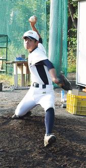 砂川桂一郎(3年)/今年の春から投球フォームを上手投げからスリークォーター気味に変えた