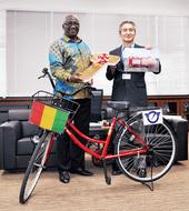 放置自転車100台贈る