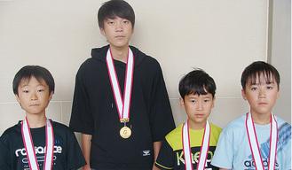 (右から)福島昌人くん、福島圭祐くん、柳沢くん、石橋くん