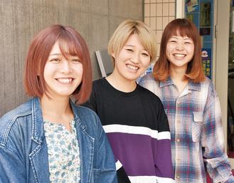 4年ぶりの新曲を発表したチロル。左から中村恵美さん(ベース)、大竹智紗さん(ボーカル・ギター)、西村有里香さん(ドラム)