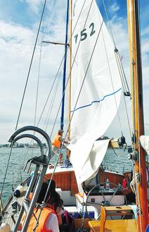 1964年の東京五輪でも来賓用クルーザーとして活躍した木造帆船「やまゆり」