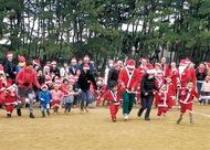 サンタの姿で運動会