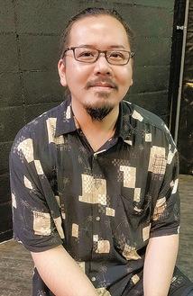 かわぐち・まさと/2018年4月から同店店長。自らも5人組バンド「機械男(メカニックマン)」のベーシストとしてステージに上がる。29歳。