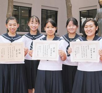 (左から)西條さん、古山さん、小林さん、井上さん、宇都宮さん