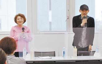 経験談を披露した歌手の麻倉さん(左)と木山さん