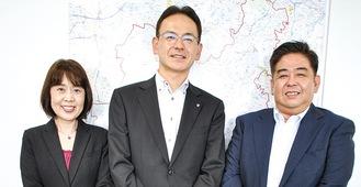 湘南支社の松本博支社長(写真左から2人目)と藤沢営業オフィス長の矢野義明さん(同3人目)