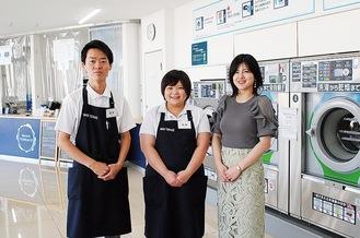 右から店舗の仕掛け人、伊勢さん、スタッフの武藤さん、茂木さん