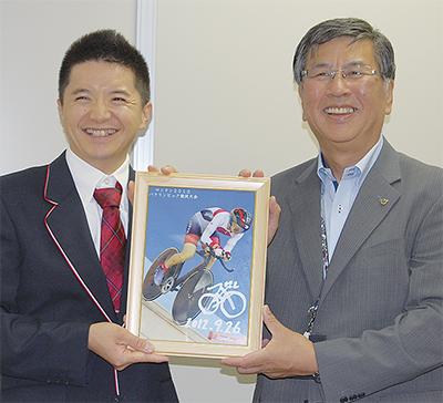 石井選手が入賞を報告