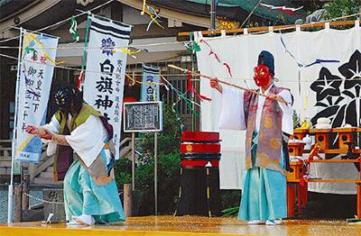 伝統の湯立神楽