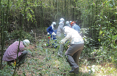 猛暑に負けず森林保護