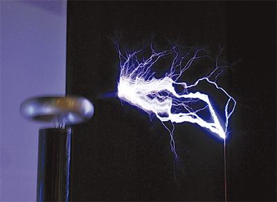 放電実験でテスラ学ぶ