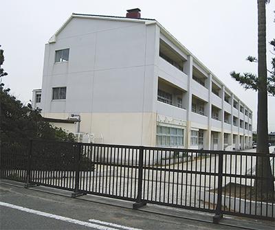 湘洋中の津波対策を報告