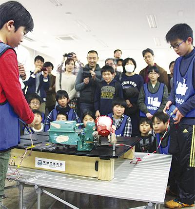 ロボット製作や対戦も